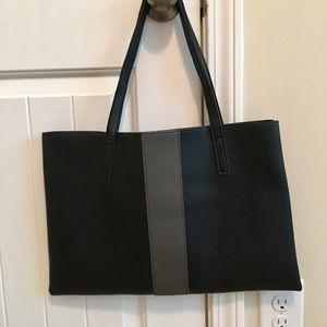 Vince Camuto Bags - NWOT👜.  Vince Camuto 👜